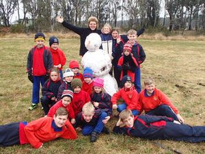 GALLERY: Freestone pupils find fun in the snow