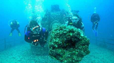 Diving the Ex-HMAS Brisbane.