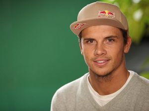 Cricket star's advice gave surf hero Julian Wilson heart