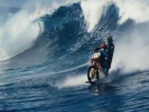 WATCH: Robbie Maddison surfs waves on motorbike