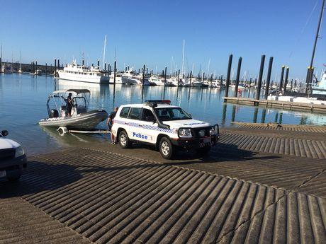 Whitsunday Water police assisting police divers from Brisbane at Mackay Marina
