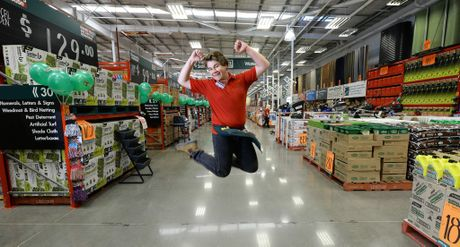 Bunnings warehouse open anzac day and with it fnb forex rates