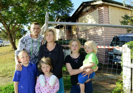 Sadliers Crossing family have lost all of their belongings after a fire destroyed their rental property on Thomas Street. Vera Gibson and Tyson Stark with their children from left, Zoran, 9, Zoe, 6, Hayley, 12, and Lucas, 2. Photo: David Nielsen / The Queensland Times