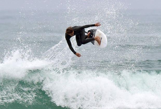 Surfer boosts a nice backside air at Maroochydore. Photo: Che Chapman / Sunshine Coast Daily