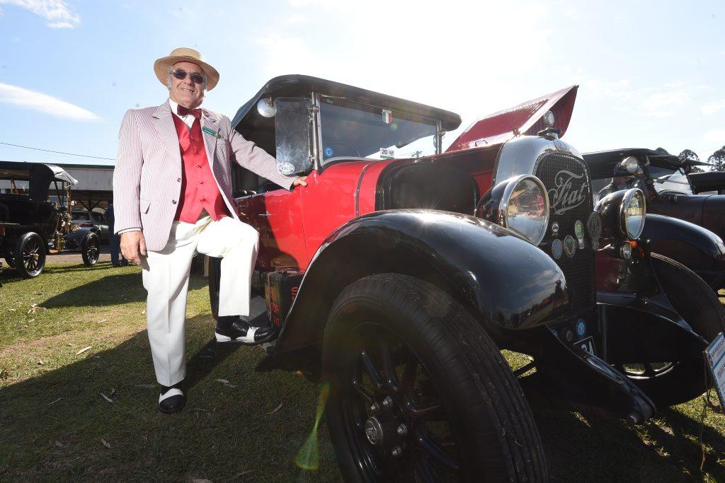 Veteran Car Club of Australia (QLD) vehicle dating officer Syd ...