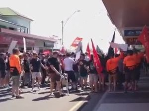 Video: Union members protest free trade agreement