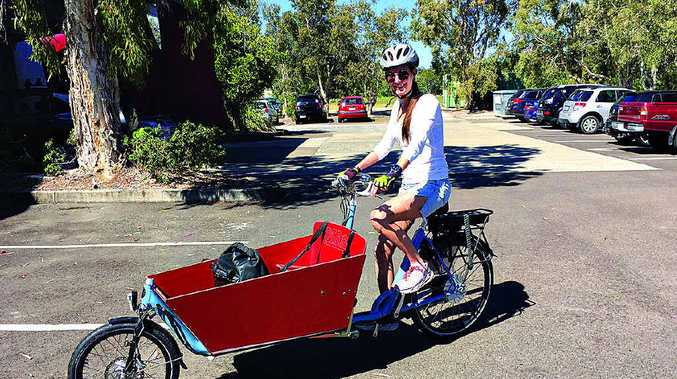 Laura Weyman-Jones learns to manoeuvre her Bakfiets.