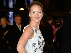 Jennifer Lawrence Googles ugly photos of herself