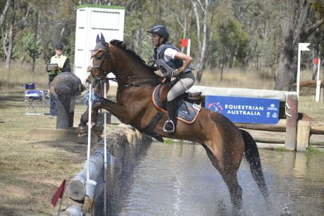 Mattea Davidson, of Toowoomba, in one-star action on Kinnordy Gwendolyn at the Inglewood Quarries One-day Eventing at Morgan Park.