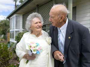 George and Ailsa sing to celebrate 60th Anniversary