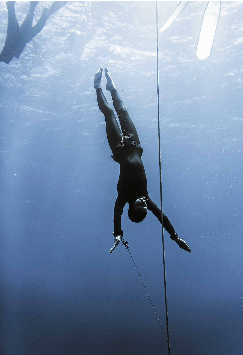 Freedivers make slow descent into the deep blue | Sunshine