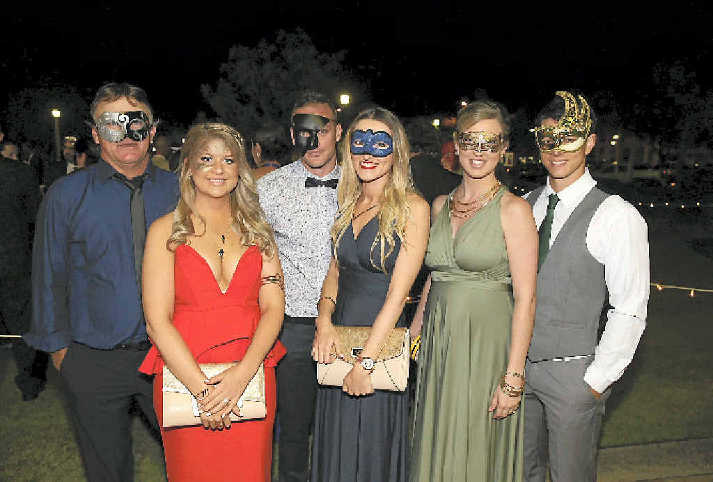 Tim Dunne, Shauna Blackwell, Rob Wright, Rachel Cooke, Blake Hornbrook and Cassie Hornbrook at the 2015 Mayor's Charity Ball.