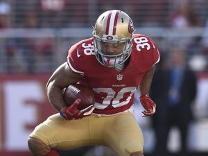 Jarryd Hayne faces big pay cut to stay with 49ers
