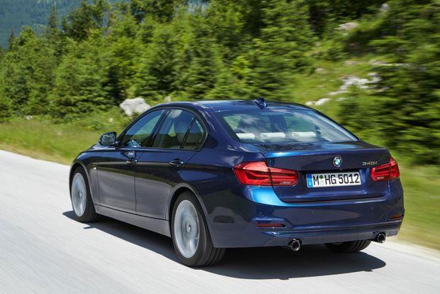 POWER OPTIONS: Entry 318i Sedan joined by 320i Sedan/Touring, 320d Sedan, 330i Sedan/Touring and 240kW 340i Sedan.