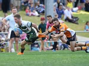 Parcell bags 5 tries for the Jets