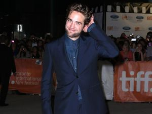 Robert Pattinson only reads bad reviews
