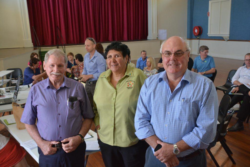 Murweh Shire Mayor Dennis Cook, CWAATSICH CEO Sheryl Lawton and Paroo Shire Mayor Lindsay Godfrey earlier this year. Photo Contributed