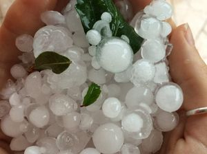 Grafton smashed with hail, moving down river