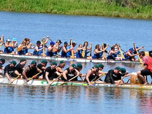 Dragon boat club members head south