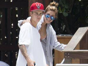 Hailey Baldwin praises Justin Bieber