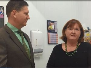 Springborg pays Warwick Advocacy and Support Centre a visit