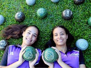 Rixon sisters head Across the Ditch for test series