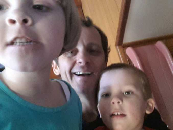 Harry Speath, centre, with his children, Serena and Thomas, who he has not seen since December 5, 2014.