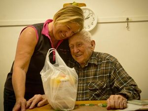 Rosella St store delivers food to elderly man
