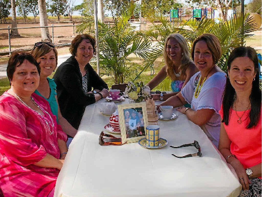 ENJOYING THE SUNSHINE Maree Sturdy, Michelle Tickle, Tonimaree Dodd, Dee Meigan, Naomi Noy and Christine Benson.