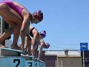 Clinic helping swimmers' techniques