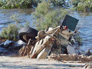 Slim chance for caravan, car in Inskip's 'bottomless' chasm