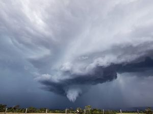 Storm chasers warn tornado threat on Darling Downs