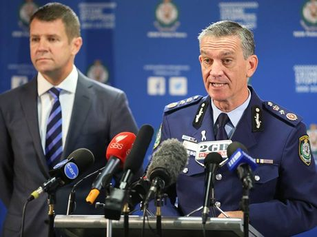 NSW Premier, Mike Baird and Police Commissioner, Andrew Scipione, updating the community about the shooting outside Police Headquarters yesterday.