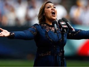 Kate Ceberano under fire for 'fluffing' national anthem