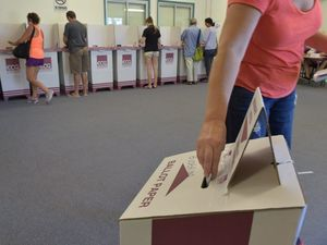 Staff walk out of Qld voting call centre