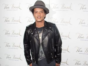 Bruno Mars to produce sitcom