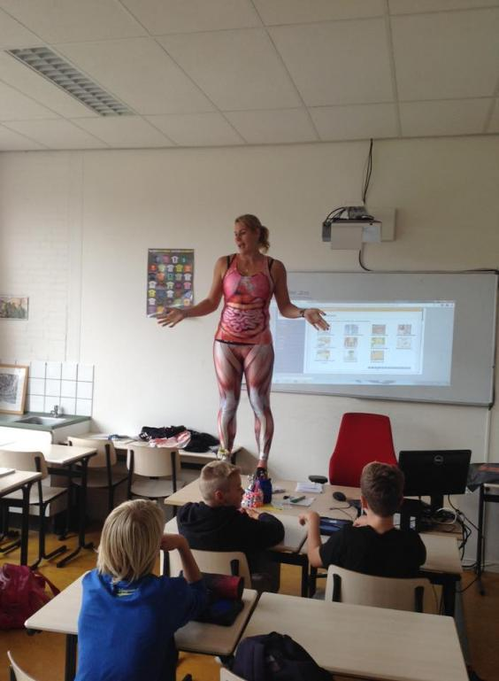 A picture uploaded by the school, taking during one of Ms Heerkens' lessons