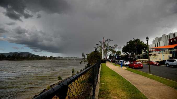 Storm heading towards Rockhampton. Photo Allan Reinikka / The Morning Bulletin