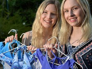 Design twins left hanging after bikini mix-up