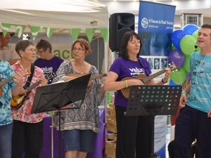 Flash mob moves Warwick shoppers