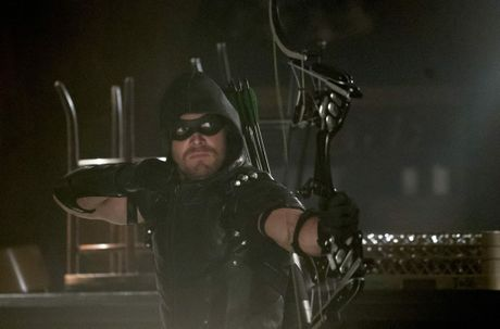 Stephen Amell as The Arrow in Arrow (Season 4, ep. 2