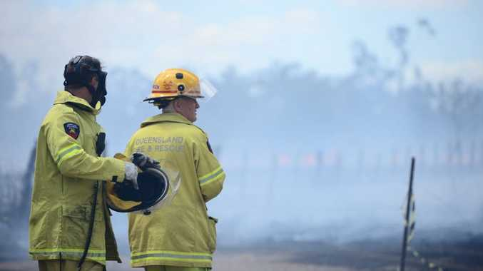 Fire crews attend the scene of a large grass fire on Hartington Street, Lakes Creek Rd on Saturday October 17 Photo Trinette Stevens / Morning Bulletin