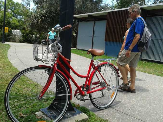 The Vintage Cruiser has left passers-by wondering where the bike's owner is.