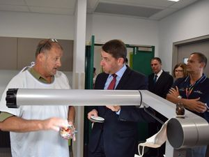 Health Minister opens new oral health clinic