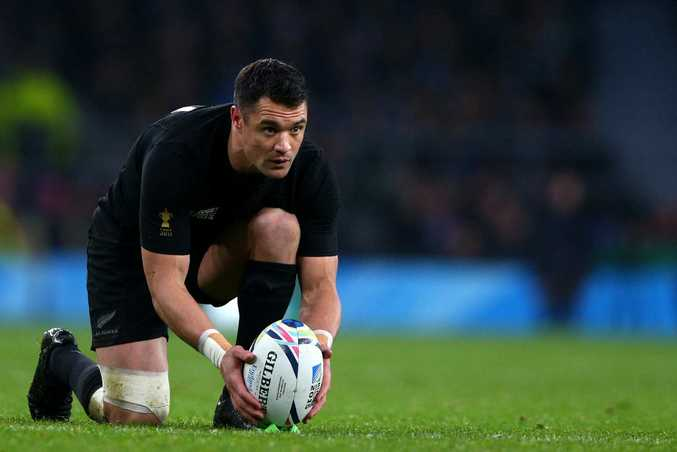 Key man ... All Black star Dan Carter  lines up a kick during the semi-final  at Twickenham. Photo: Paul Gilham/Getty Images)