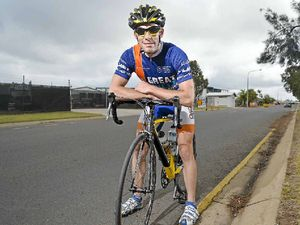 Simon rides out the storm in 24-hour slog for cancer