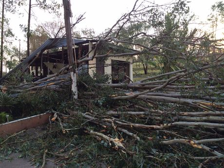 A fierce storm has damaged roofs and taken down trees across Fernvale this afternoon.