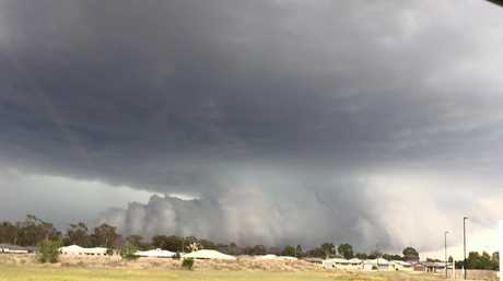 The storm front as it rolled into Chinchilla.