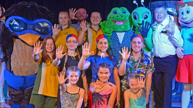 KIDS ALIVE: Back row (L-R): Jane Stehbens, Jacqui Hurley (Wise Owl), Ashleigh Diggs, Shaun Norden, Madison Van-Baar, Nicola Hay (Frog), Alicia Langley (Boo), Laurie Lawrence, Johanna Cleary (Lifesaver Lil). Middle row (L-R): Enya Williams, Alayhah Rolf, Indy Bengston and Olivia Moenoa. Front row (L-R): Emma Langley, Sienna Clark and Emma Bechly.