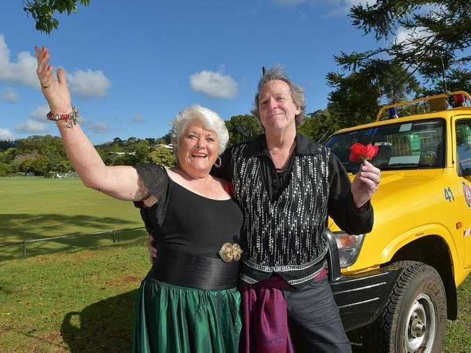 Maleny Singers are staging Highlights from Carmen to raise money for the Maleny Rural Fire Brigade. Margaret Taylor (Carmen) hits the high notes with Tony Glazebrook (Escamillo).